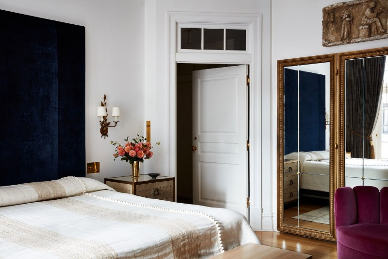 A Sophisticated Touch Of Parisian Decor Inside A New York Apartment