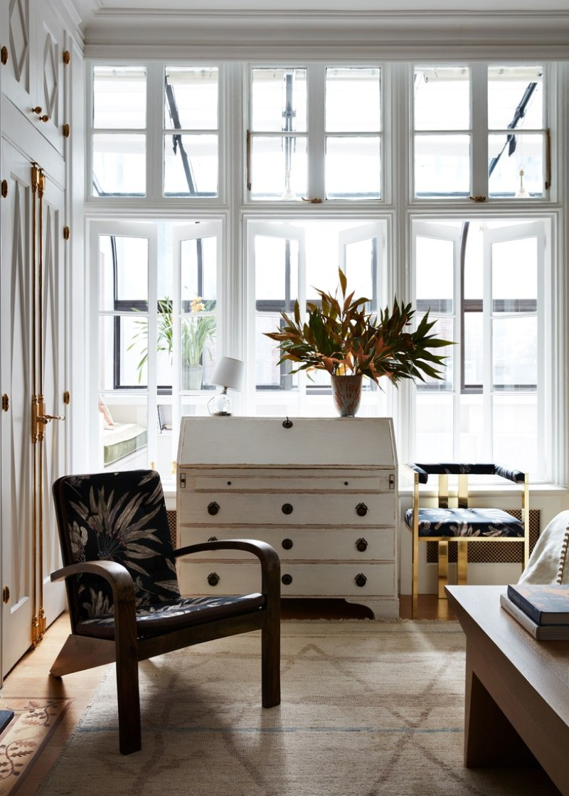 A Sophisticated Touch of Parisian Decor Inside A New York Apartment parisian decor A Sophisticated Touch of Parisian Decor Inside A New York Apartment 8 A Sophisticated Touch of Parisian Decor Inside A New York Apartment