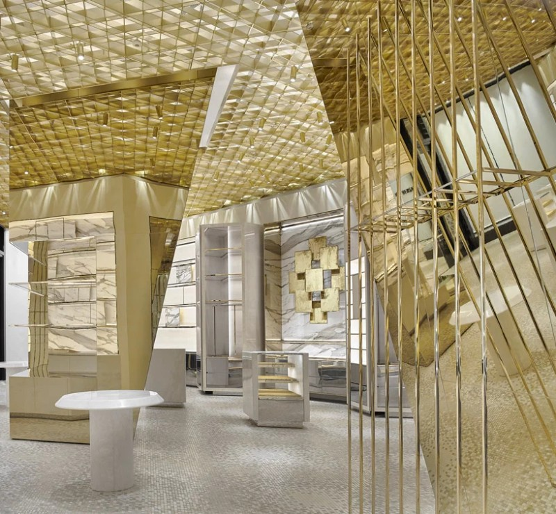 Versace's Miami - The New Store Designed by Gwenael Nicolas versace's miami Versace's Miami – The New Store Designed by Gwenael Nicolas The New Versace   s Miami Store Designed by Gwenael Nicolas 2