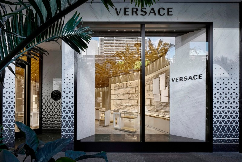 Versace's Miami - The New Store Designed by Gwenael Nicolas versace's miami Versace's Miami – The New Store Designed by Gwenael Nicolas The New Versace   s Miami Store Designed by Gwenael Nicolas 9