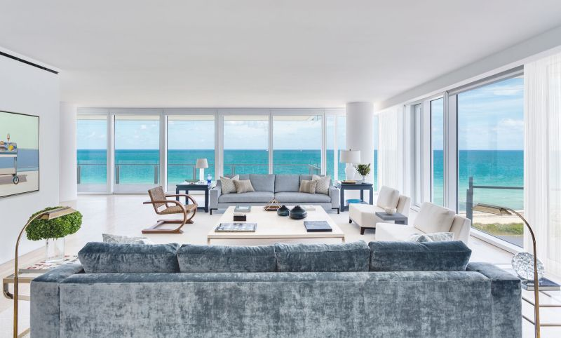 A Summer Breeze Inside This Miami's Penthouse by ABH Interiors abh interiors A Summer Breeze Inside This Miami's Penthouse by ABH Interiors Surf Club Sunrise Lounge