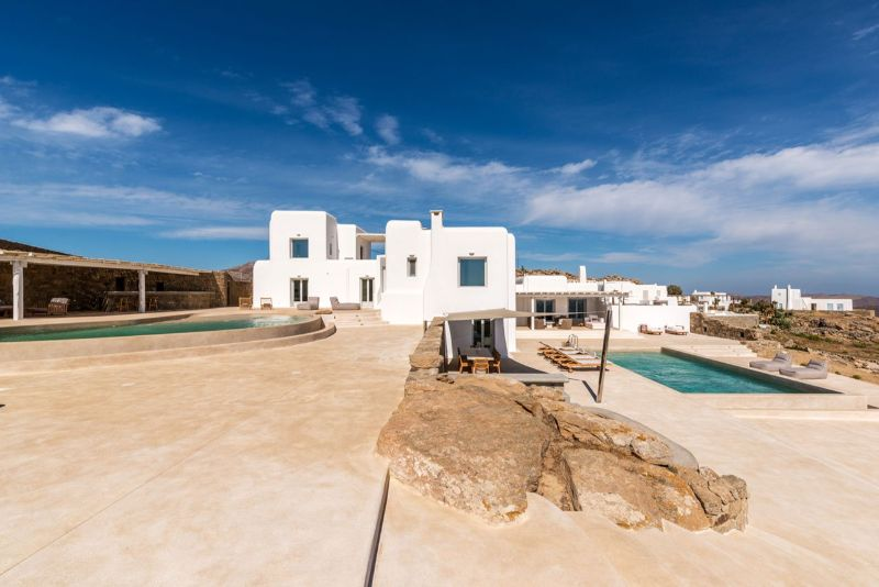 Discover The Kinglike Villas: A Collection Of Luxury Villas in Mykonos  luxury villas Discover The Kinglike Villas: A Collection Of Luxury Villas in Mykonos 1