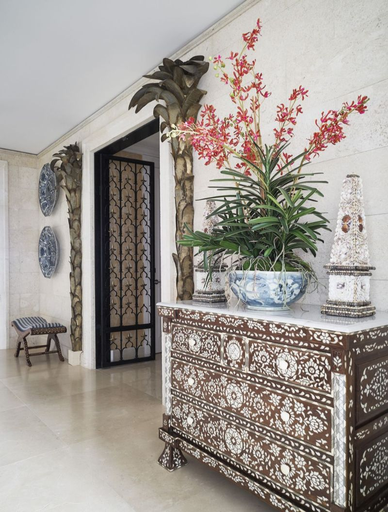 The Symbol of Maximalism: Inside A Miami's Apartment by Sig Bergamin sig bergamin The Symbol of Maximalism: Inside A Miami's Apartment by Sig Bergamin 5 2