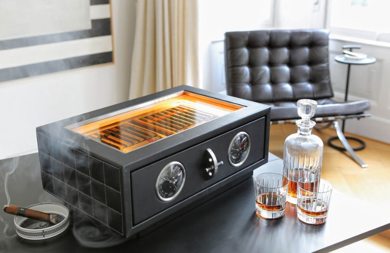 Cigar Humidors With A Modern Design That You Need to Discover modern design Cigar Humidors With A Modern Design That You Need to Discover doettling produkte tabletop humidor hg