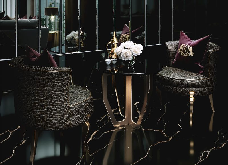 Gold & Black Details In This Unique Interior Design By Celia Sawyer celia sawyer Gold & Black Details In This Unique Interior Design By Celia Sawyer 6 Chairs Cameo  Updated low res
