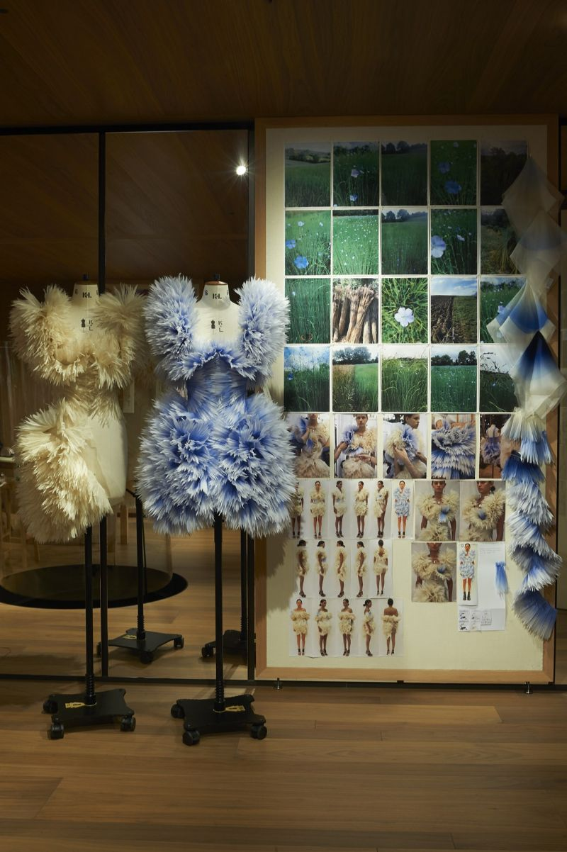 Alexander McQueen's 'Roses' Exhibition Is A Sight For Sore Eyes (4)
