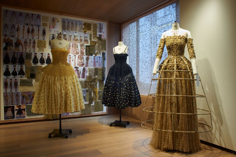 Alexander McQueen's 'Roses' Exhibition Is A Sight For Sore Eyes (8)
