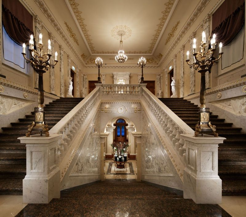 Former Royal Palaces That Were Transformed Into Luxury Hotels luxury hotel Former Royal Palaces That Were Transformed Into Luxury Hotels FourSeasonsStaircase