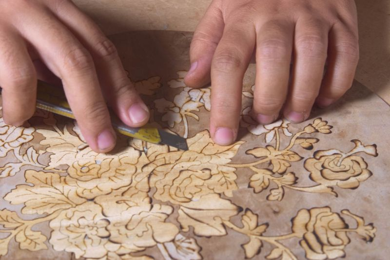 The Wonders Of Craftmanship - Details Of Marquetry (10)