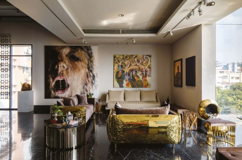 A Luxury Residence Where Art And Collectable Design Are The Main Focus (1)