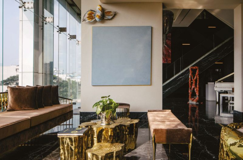A Luxury Residence Where Art And Collectable Design Are The Main Focus (11)