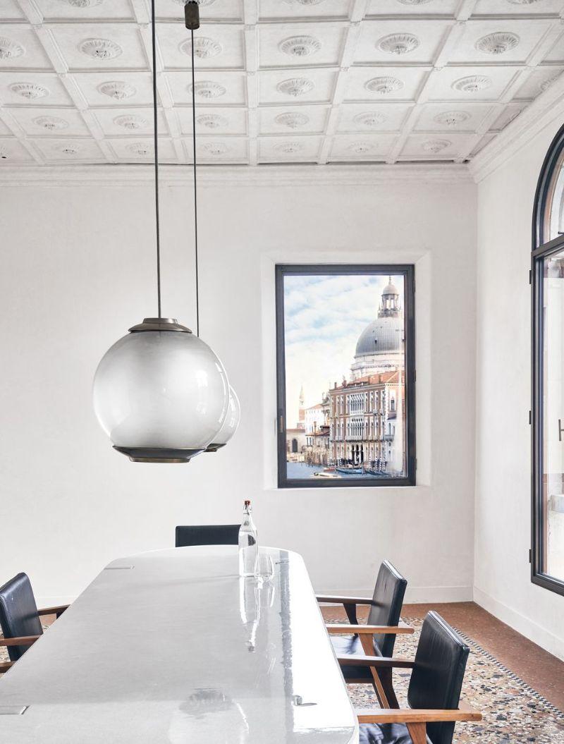 jacques grange Jacques Grange Restores Venice Apartment With Picture-Postcard Views Jacques Grange Restores Venice Apartment With Picture Postcard Views 4
