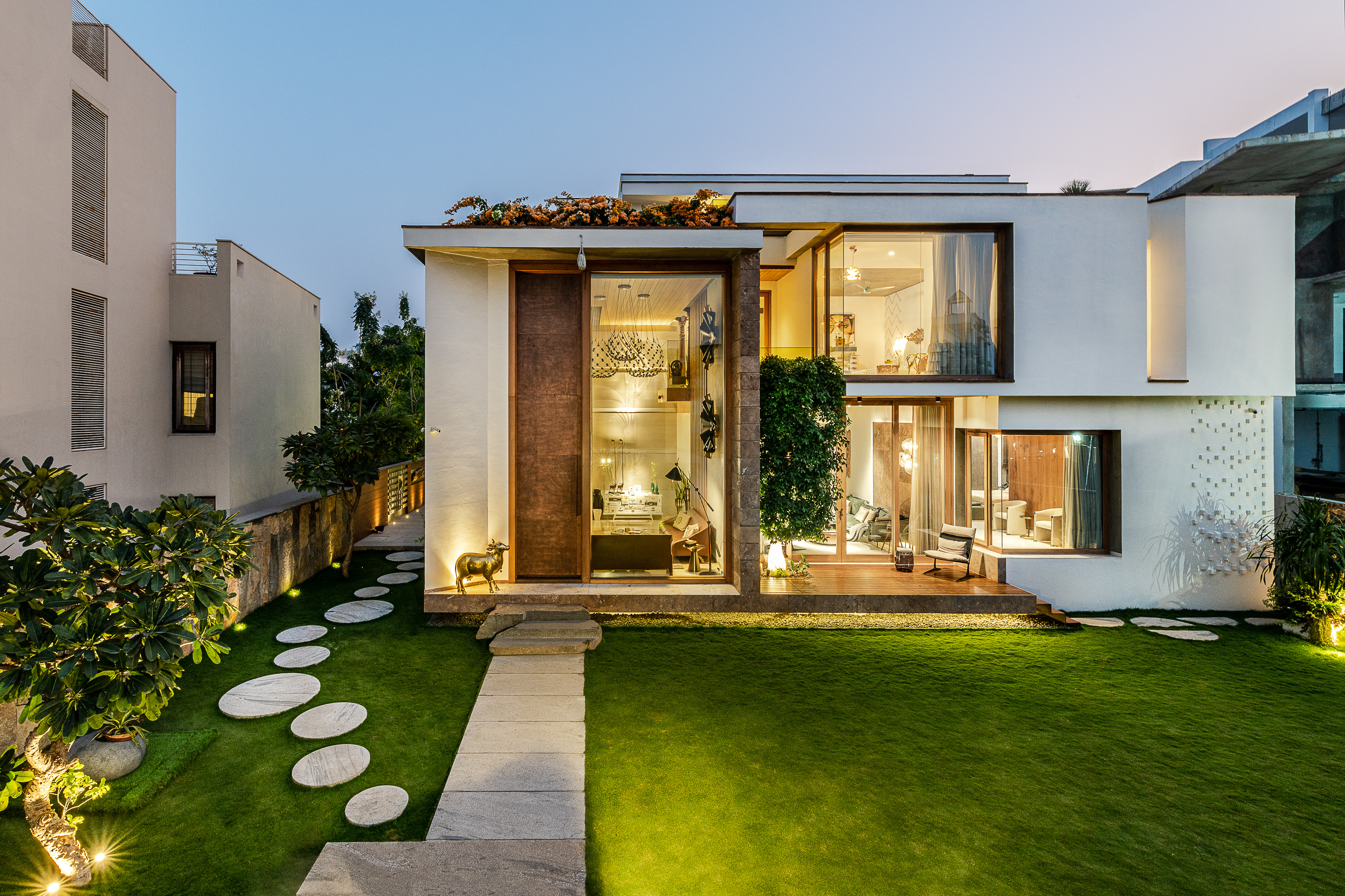 Sustainability Meets Luxury In This Private Residence by NA Architects (11)