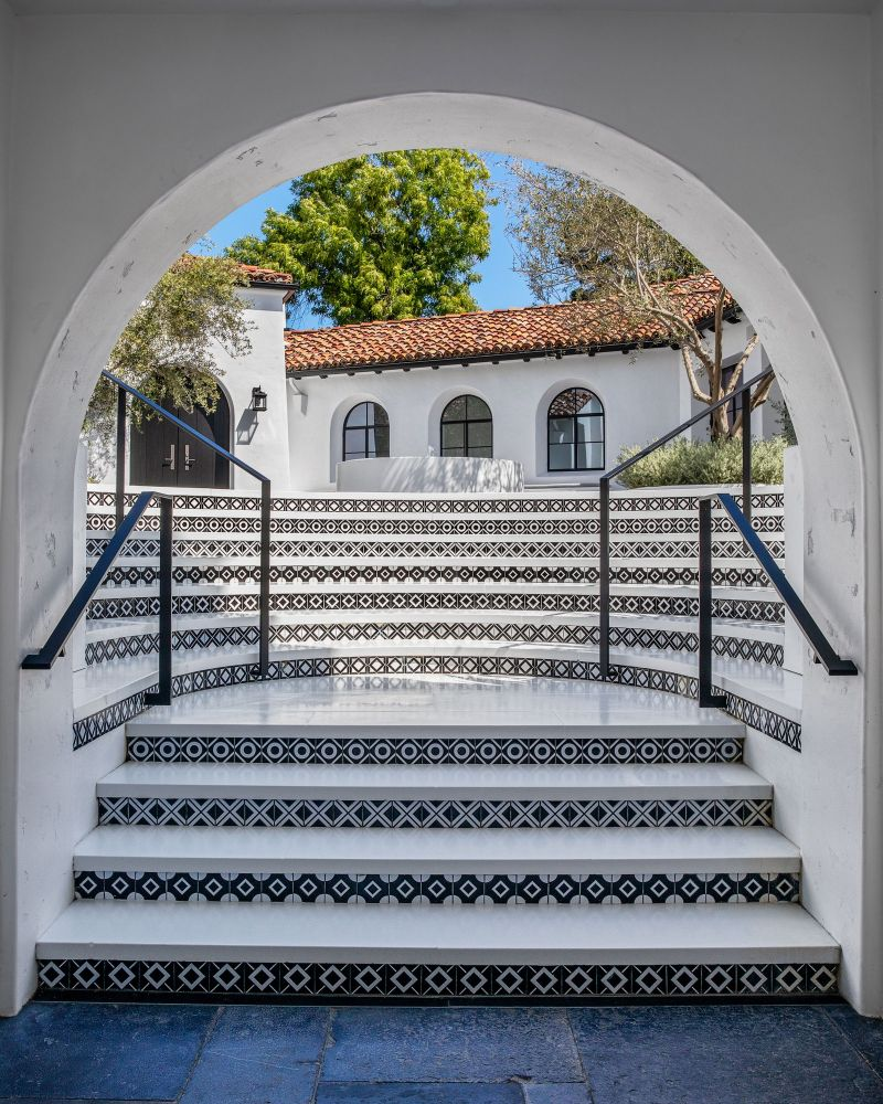 Ryan Murphy Invites You Inside, Not One But Two, Of His Luxury Homes (3)