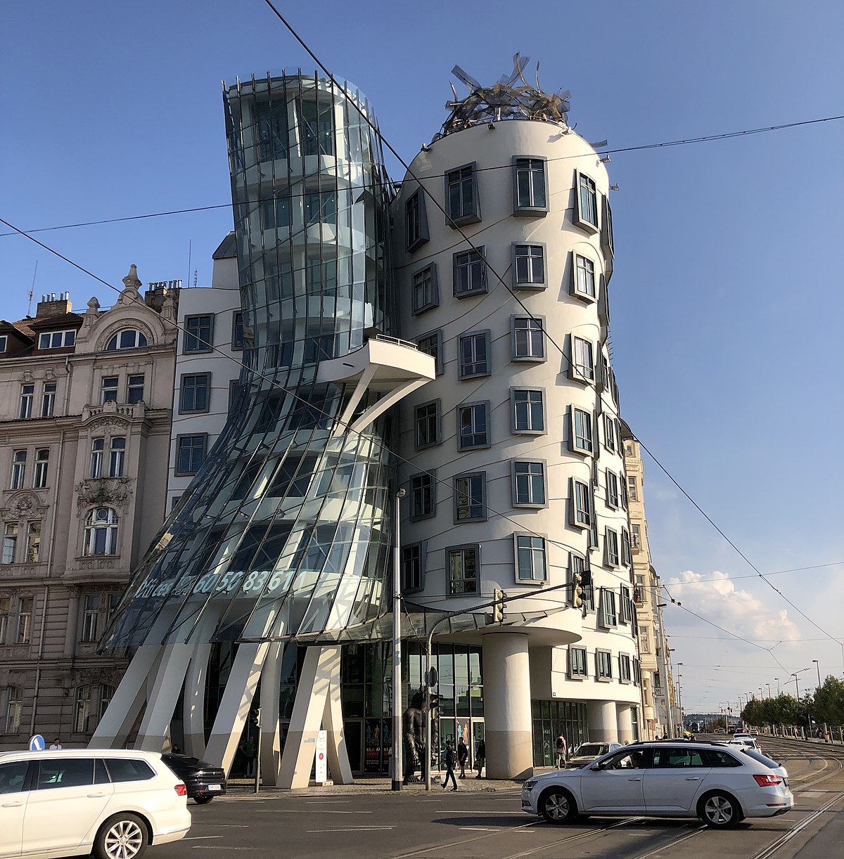 frank gehry Frank Gehry's Iconic Architectural Buildings Around The World Frank Gehrys Iconic Architectural Buildings Around The World 1
