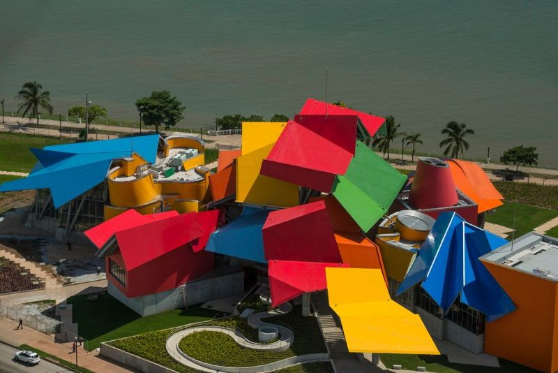 Frank Gehry's Iconic Architectural Buildings Around The World (11) frank gehry Frank Gehry's Iconic Architectural Buildings Around The World Frank Gehrys Iconic Architectural Buildings Around The World 11