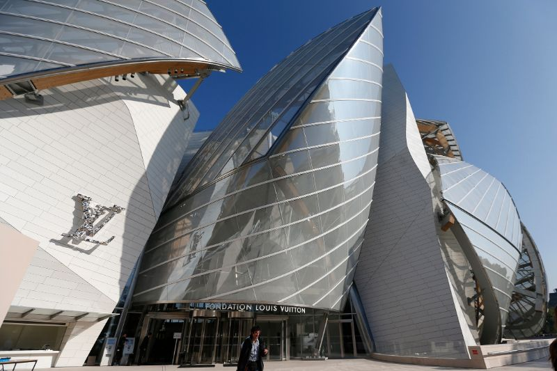 Frank Gehry's Iconic Architectural Buildings Around The World (3) frank gehry Frank Gehry's Iconic Architectural Buildings Around The World Frank Gehrys Iconic Architectural Buildings Around The World 3