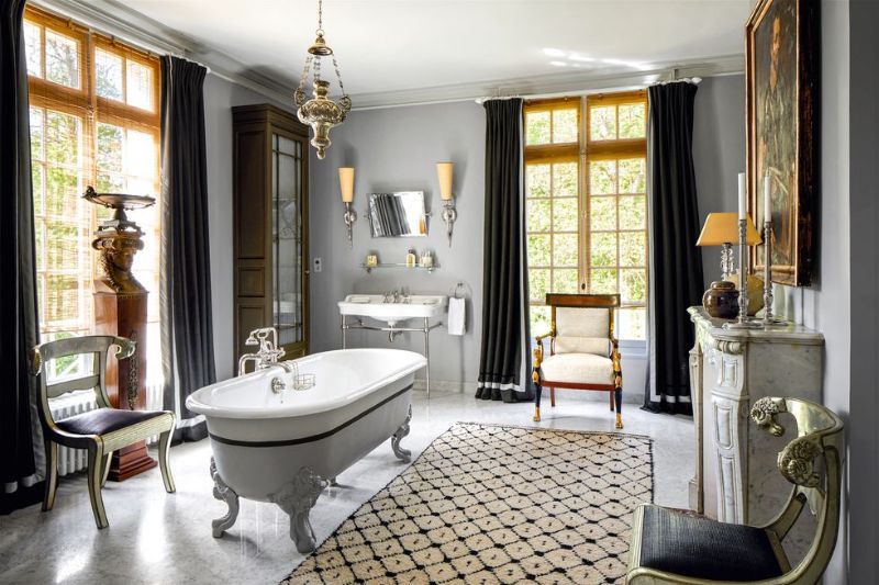 Jean-Louis Deniot Restores An Over-The-Top Historic French Manor (9) jean-louis deniot Jean-Louis Deniot Restores An Over-The-Top Historic French Manor Jean Louis Deniot Restores An Over The Top Historic French Manor 9