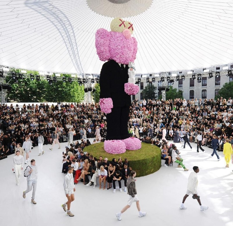 10 Things You Probably Didn't Know About KAWS kaws 10 Things You Probably Didn't Know About KAWS 10 Things You Probably Didnt Know About KAWS 3