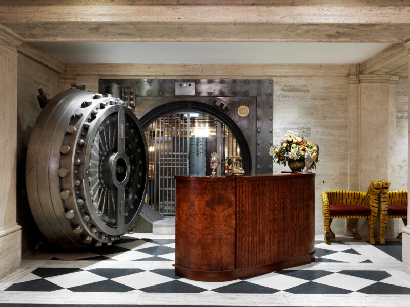 EPR Architects Transform London's Midland Bank Into The Ned Hotel epr architects EPR Architects Transform London's Midland Bank Into The Ned Hotel EPR Architects Transform Londons Midland Bank Into The Ned Hotel 9