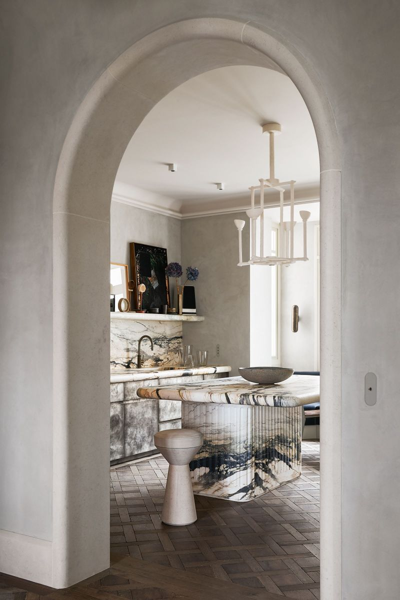 Inspiring Interior Design Projects To Discover In Paris (Part 1!) interior design project Inspiring Interior Design Projects To Discover In Paris (Part 1!) Marble Wonder by Joseph Dirand