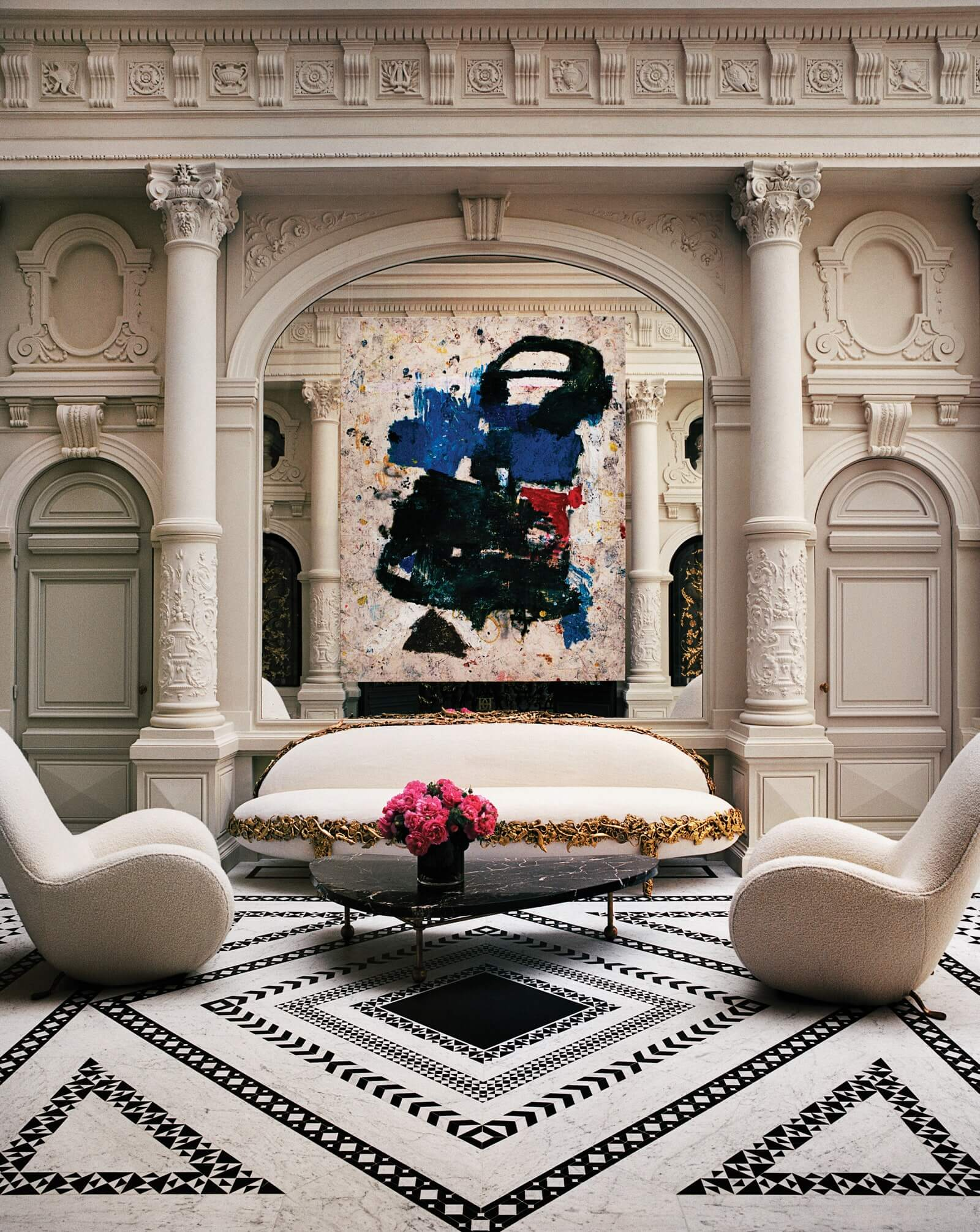 Inspiring Interior Design Projects To Discover In Paris (Part 1!) interior design project Inspiring Interior Design Projects To Discover In Paris (Part 1!) Mesmerizing Paris Mansion by Jacques Grange