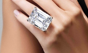 SOTHEBY'S MAGNIFICENT JEWELS SALE  THE LARGEST DIAMOND AT SOTHEBY'S MAGNIFICENT JEWELS SALE cover1 335x201