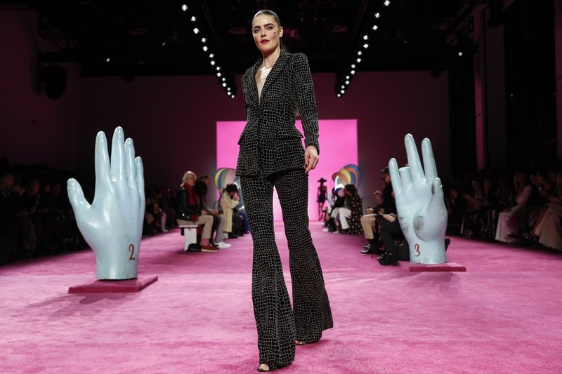 new york fashion week New York Fashion Week Brightens Your February 800