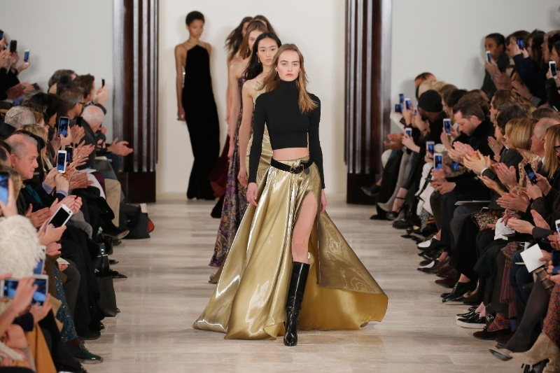 new york fashion week New York Fashion Week Brightens Your February gettyimages 511142062